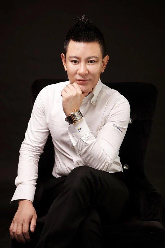 青年企业家刘士豪谈经商的哲学:心中有大爱,无敌于天下